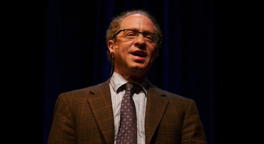 Inventor-engineer-futurist Ray Kurzweil Courtesy of null0/Wikipedia Commons