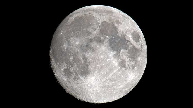 Full worm moon will rise Sunday evening; but is it a supermoon?