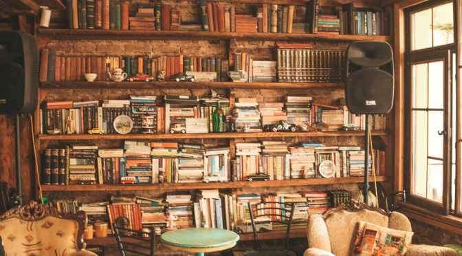 11 Airbnbs With Libraries You Could Spend All Day In | Condé Nast Traveler