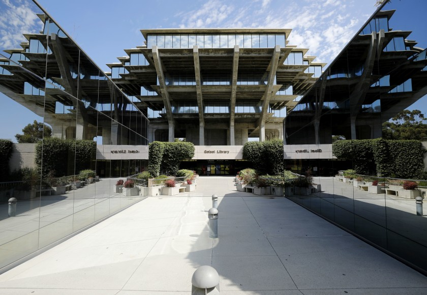 The normally busy Geisel Library at UC San Diego is quiet on Wednesday, Aug. 12, 2020 in San Diego, CA. (K.C. Alfred / The San Diego Union-Tribune)