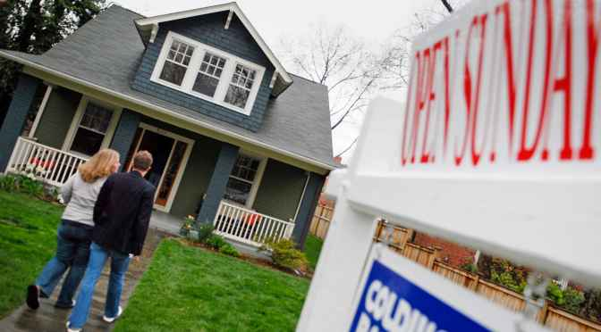How to navigate homebuying this spring as competition surges